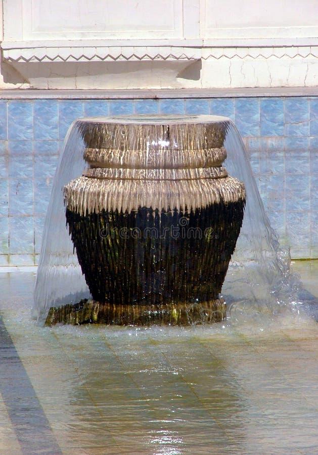 De Urn van de fontein stock afbeelding