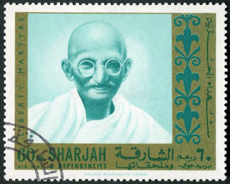 De V.A.E - 1970: toont portret van Mohandas Karamchand Gandhi 1869-1948, reeksmartelaren van Vrijheid royalty-vrije stock afbeelding