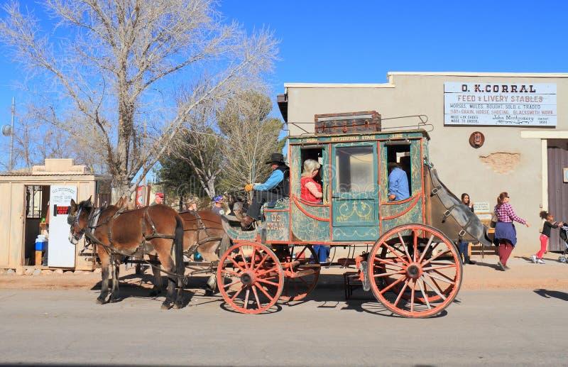 De V.S., Arizona/Grafsteen: Het oude Westen - Stagecoach stock afbeeldingen