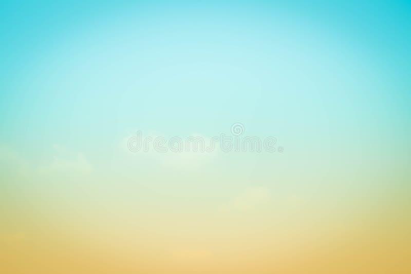 De vage kleurrijke natuurlijke hemel betrekt landschapsachtergrond met licht stock foto