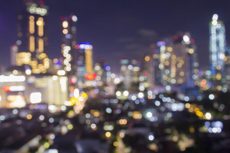 De vage stad schoot het tonen van elektronet en groot urbanisme aan machtsmiljoenen huizen en geeft elektriciteit en lichten aan  royalty-vrije stock fotografie