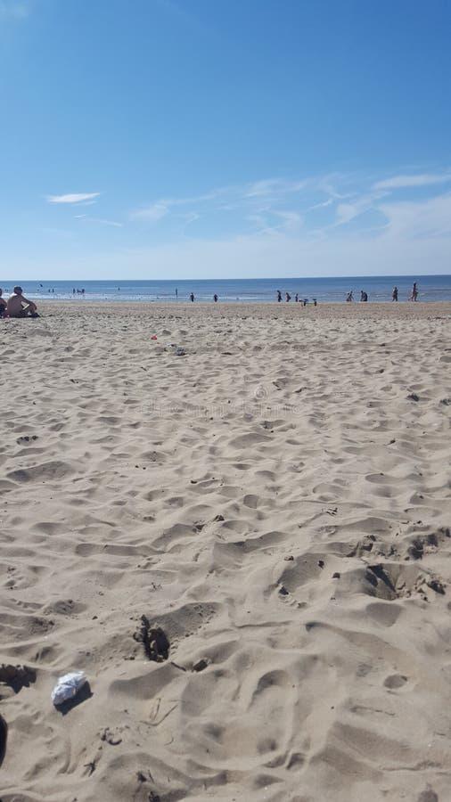 De vakantie blauwe zee van het zandstrand royalty-vrije stock foto's