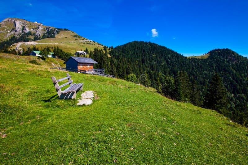 De vakantie van de berg bij het meer in Oostenrijk stock fotografie