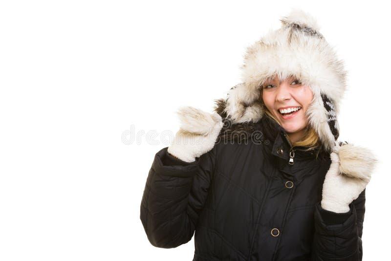 De vakantie van de winter Vrolijk meisje in warme kleren stock fotografie