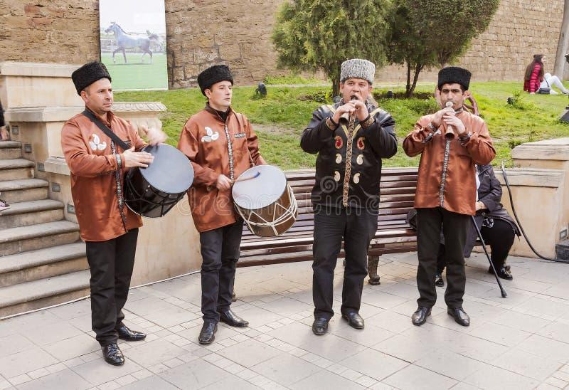 De vakantie van Novruzbayram in de hoofdstad van de Republiek Azerbadjan in de stad van Baku 23 Maart 2017 stock afbeeldingen