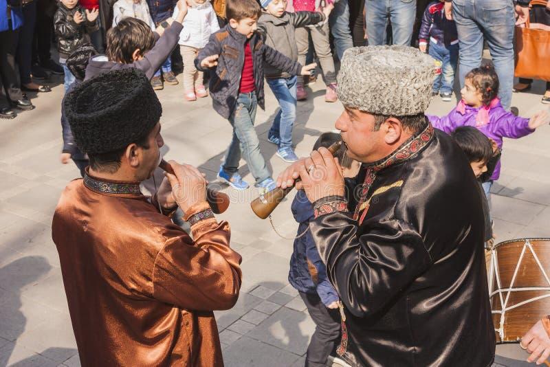 De vakantie van Novruzbayram in de hoofdstad van de Republiek Azerbadjan in de stad van Baku 23 Maart 2017 stock fotografie