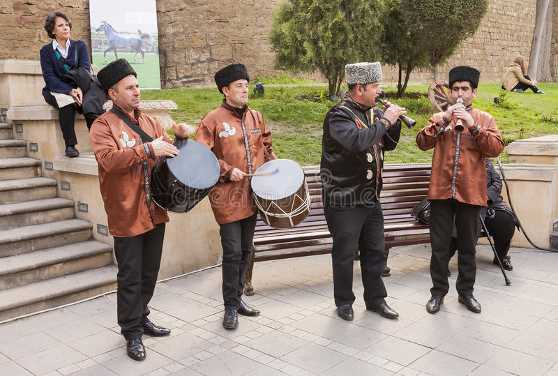De vakantie van Novruzbayram in de hoofdstad van de Republiek Azerbadjan in de stad van Baku 23 Maart 2017 stock foto