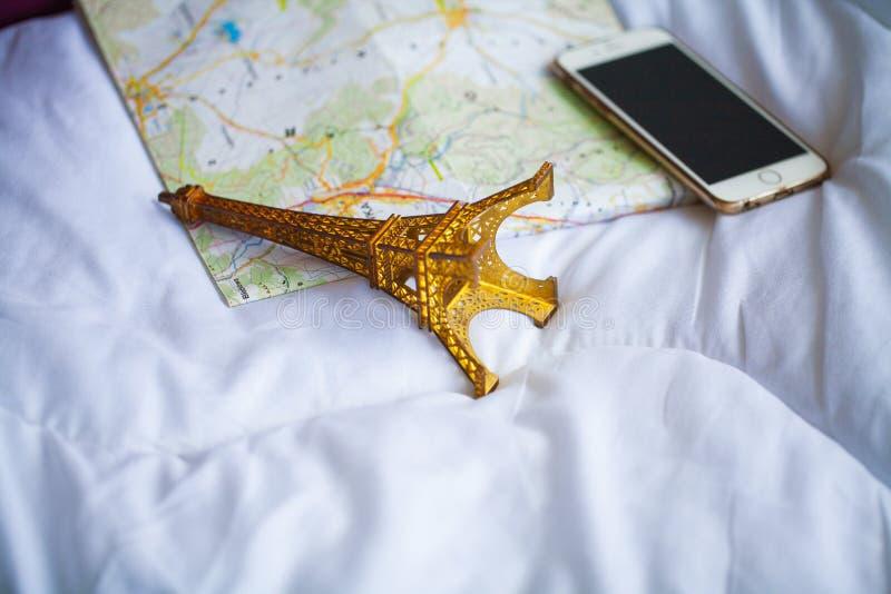 De Vakantie van de de zomerreis Planning Vakantie en Verpakkingsreiszak stock afbeeldingen