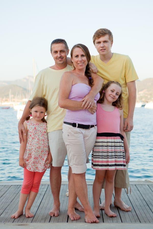 De vakantiefamilie van de zomer royalty-vrije stock afbeelding