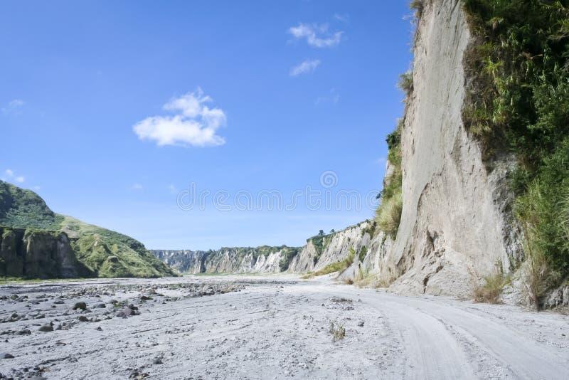 De vallei van de Laharrivier zet pinatubo Filippijnen op royalty-vrije stock foto