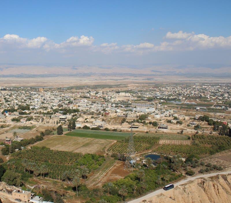 De vallei van Jericho die van het Onderstel, Klooster wordt gezien van Verleiding stock afbeeldingen