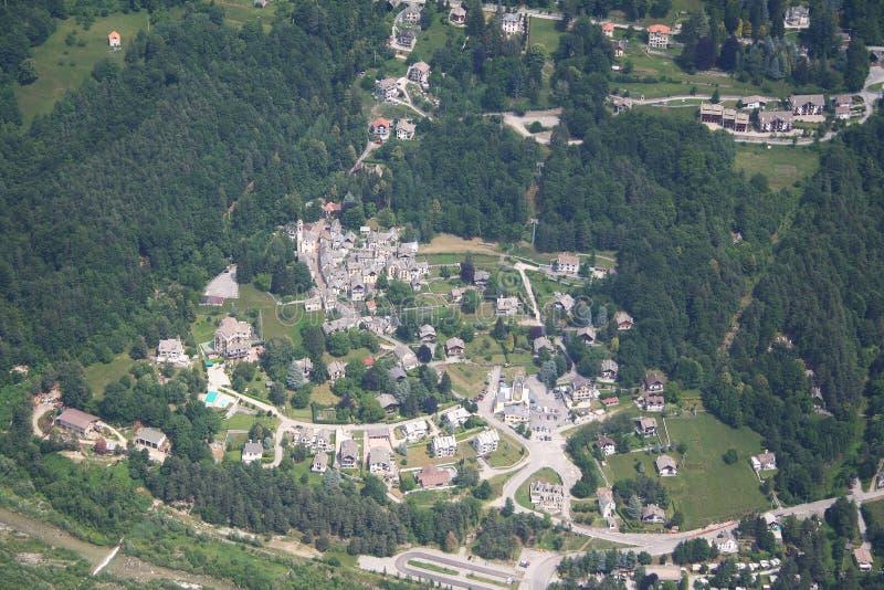 De vallei van Vigezzo van Val - een stad stock fotografie