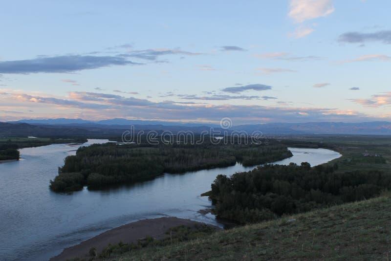 De vallei van de Yeniseirivier, Zuidelijk Siberië Republiek Toeva Autumn Landscape royalty-vrije stock afbeelding