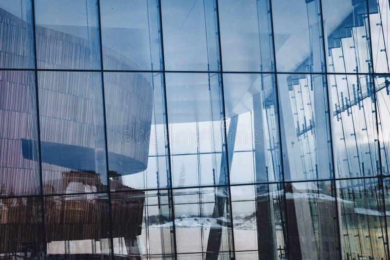 De van het de operahuis van Oslo het glasvoorgevel stock afbeeldingen