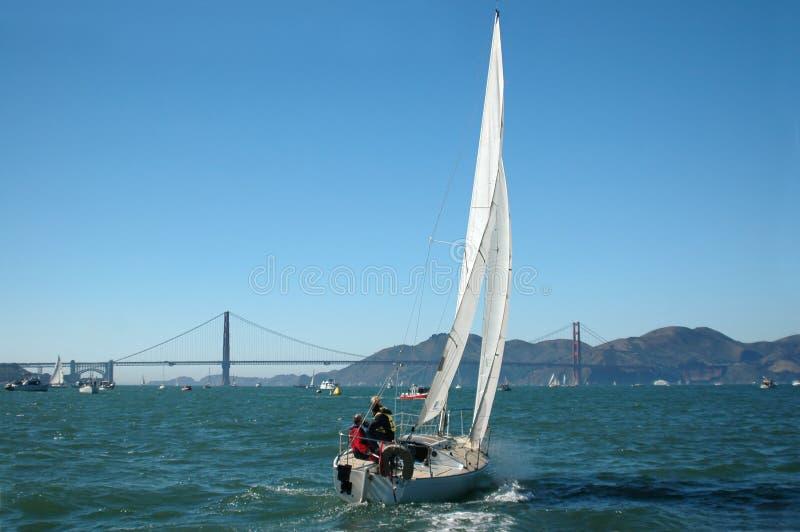 De varende Baai van San Francisco royalty-vrije stock fotografie