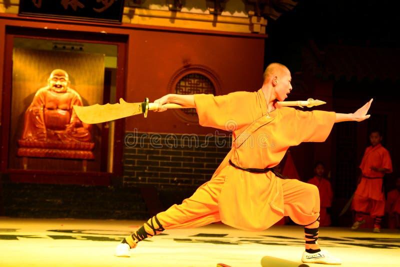 De vechtsporten tonen Shaolinklooster Dengfengprovincie, Zhengzhou, Henan-provincie China stock foto's