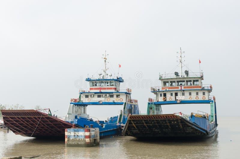 De Veerboot van de Yangtzerivier stock foto's