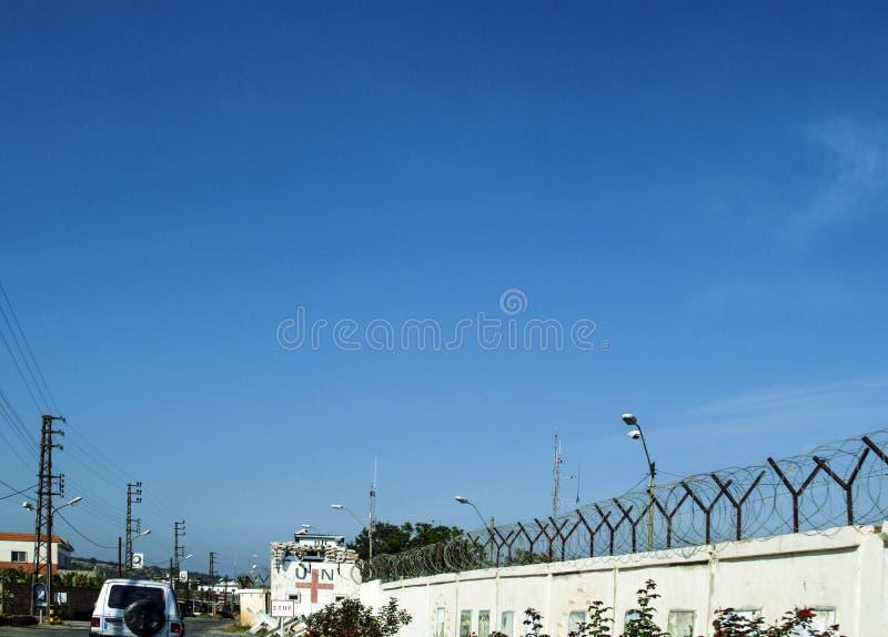 De veiligheidsomheining van de Kracht van de Verenigde Naties in Libanon in Naquora stock afbeelding