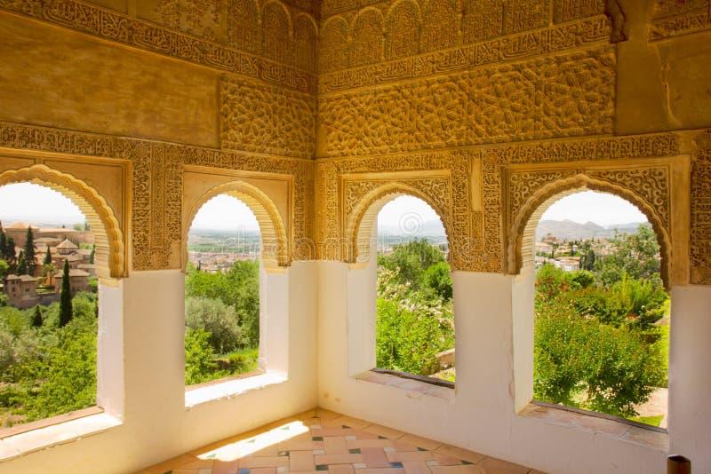 De vensters Granada, Spanje van Generalife stock fotografie
