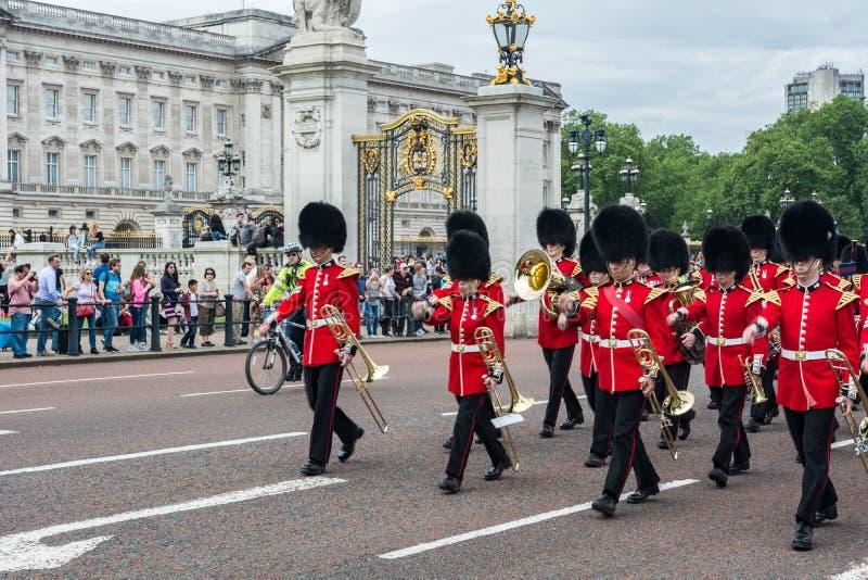 De verandering van de wacht in Buckingham Palace royalty-vrije stock fotografie