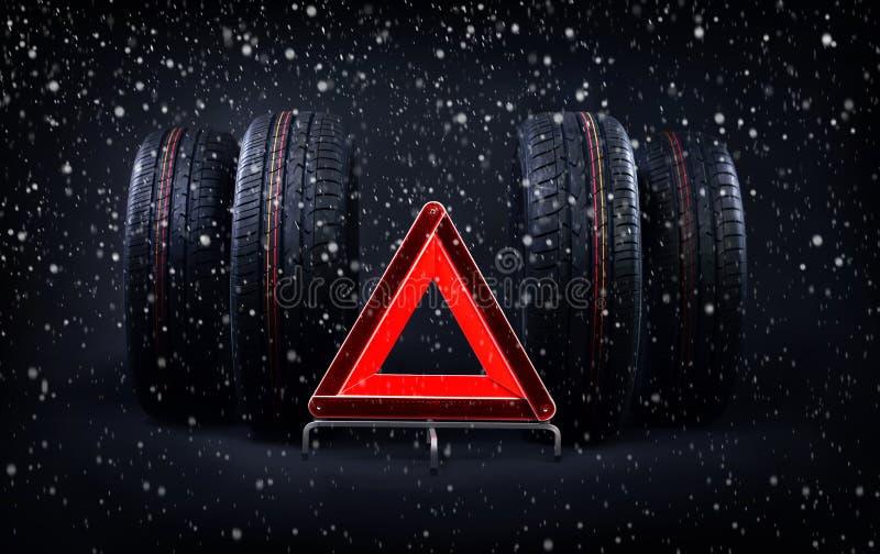 De veranderingsbanden voor de winterraad met de zomerbanden, sneeuw en rode noodsituatie houden teken tegen Tijd om uw banden te  stock afbeelding