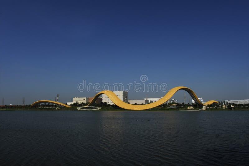 De Verbazende Kunst Van Het Lint Op Het Meer Stock Foto