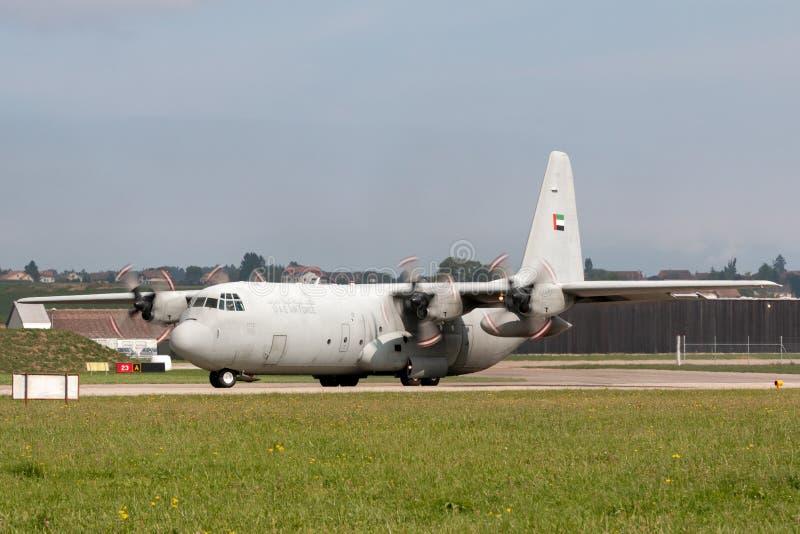 De verenigde Arabische Luchtmacht Lockheed van Emiraten c-130 militaire het vervoervliegtuigen van Hercules royalty-vrije stock afbeelding