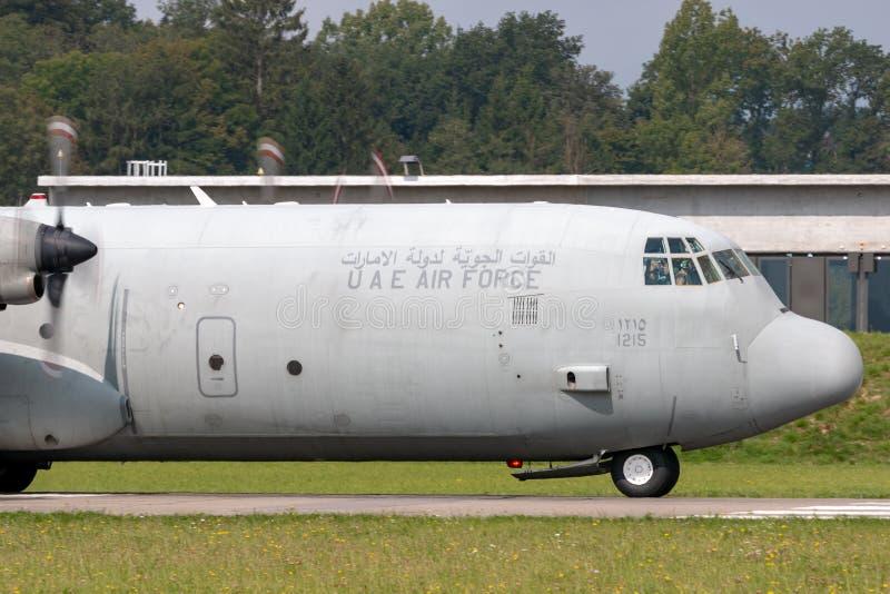 De verenigde Arabische Luchtmacht Lockheed van Emiraten c-130 militaire het vervoervliegtuigen van Hercules royalty-vrije stock foto
