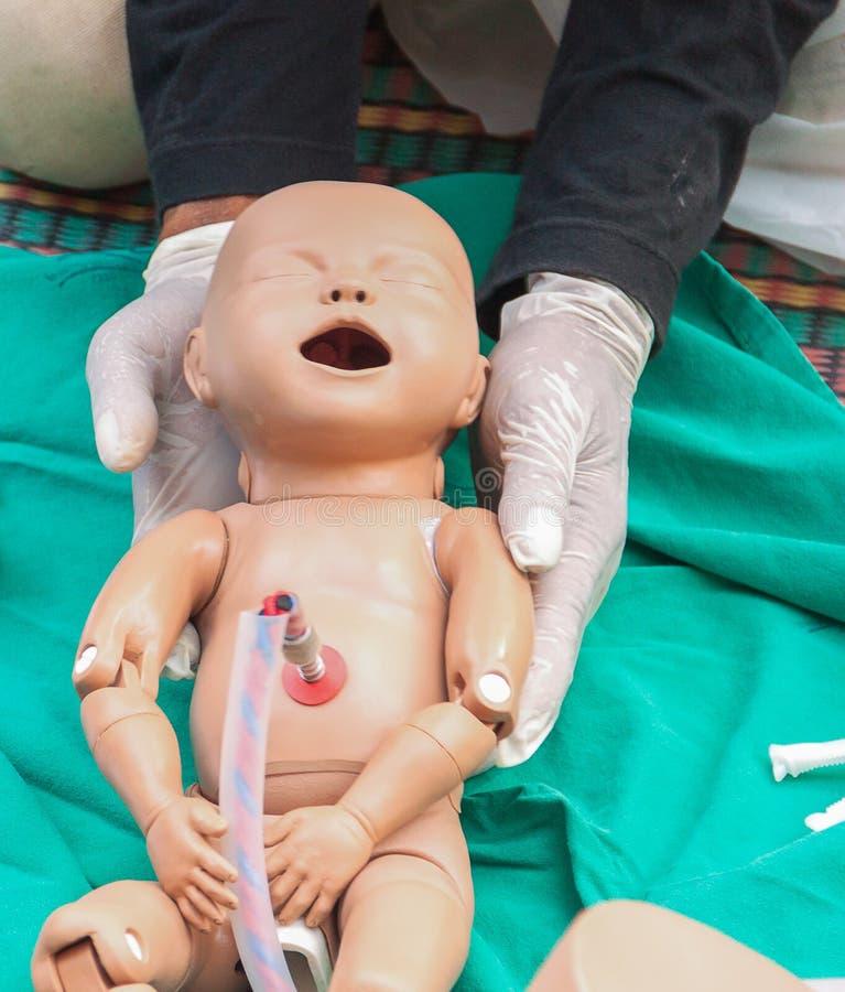 De verfrissing opleiding om bevalling bij te staan royalty-vrije stock afbeelding