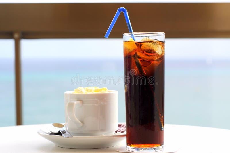 De verfrissingen van de middag (cokes & koffie) royalty-vrije stock fotografie