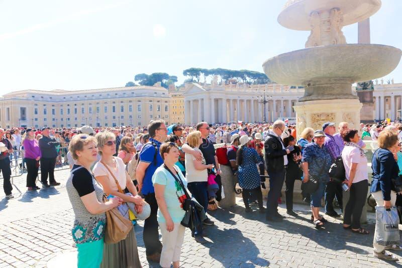 De vergadering van pausfrancis in Vatikaan royalty-vrije stock afbeeldingen