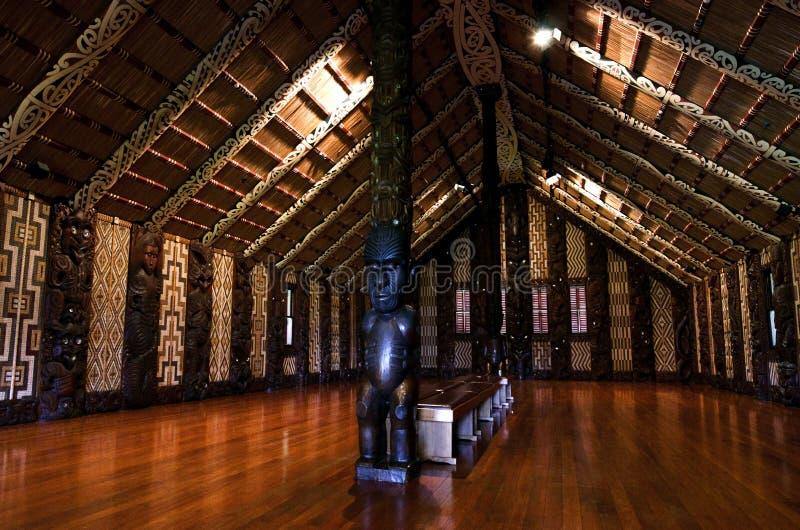 De vergaderingshuis van Maori - Marae