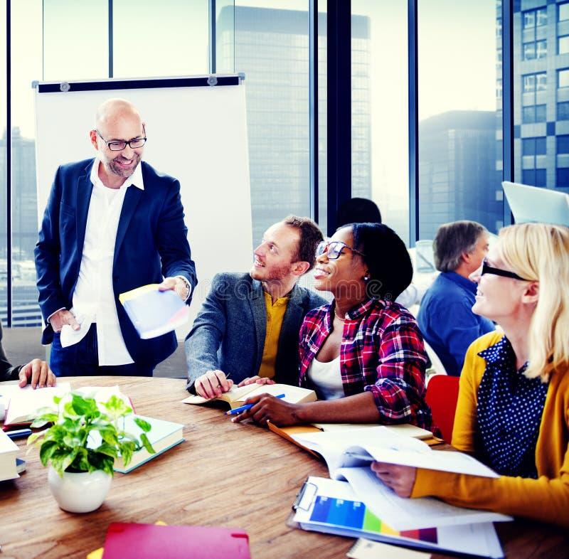 De Vergaderingsseminarie Team Teamwork Concept van de bedrijfsmensenconferentie stock foto