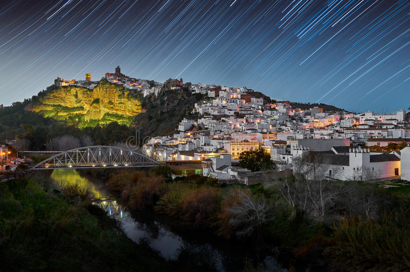 De vergoelijkte stad van Arcos de la Frontera royalty-vrije stock fotografie