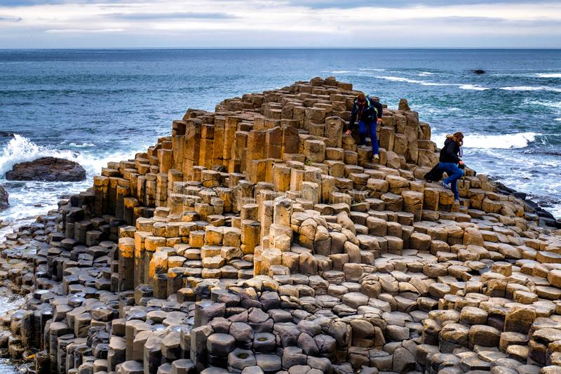 De Verhoogde weg van de Reus in Noord-Ierland royalty-vrije stock fotografie