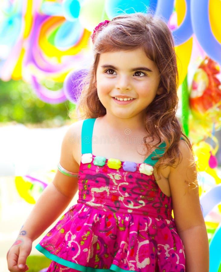 De verjaardag van het meisje stock afbeeldingen