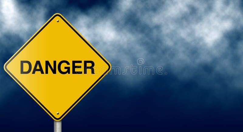 De Verkeersteken van het gevaar op Stormachtige Hemel stock fotografie