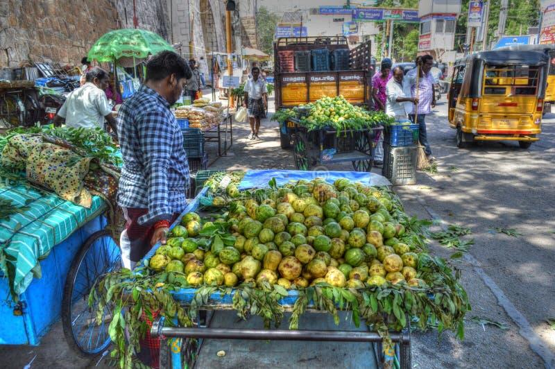 De Verkoper van het straatfruit stock fotografie