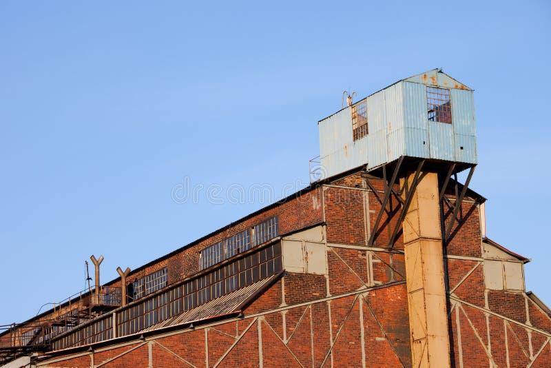 De verlaten Industriële Architectuur van de Fabriek royalty-vrije stock foto's