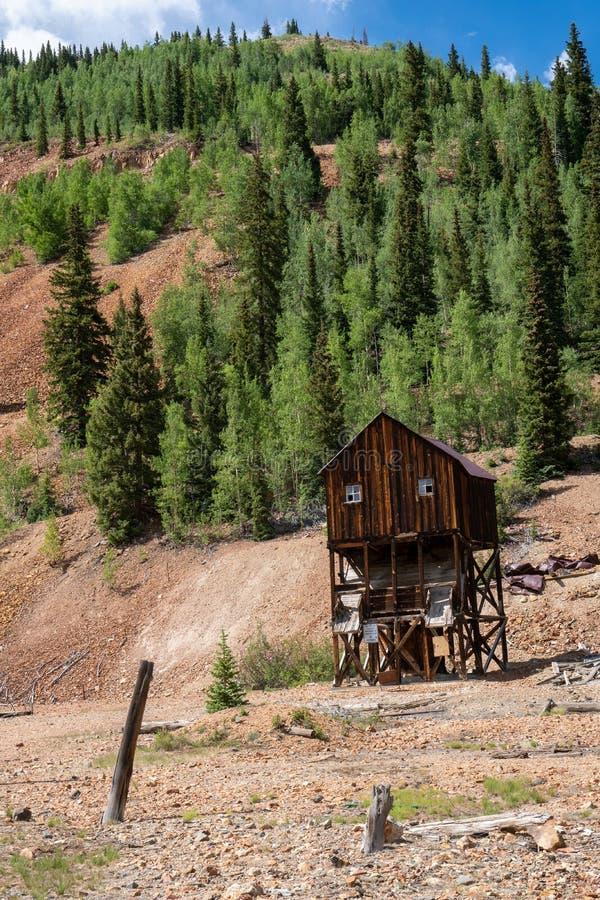 De verlaten mijnbouwbouw bij een spookstad in Colorado royalty-vrije stock afbeeldingen