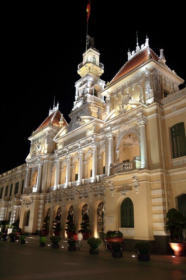De verlichte bouw, Ho Chi Minh City, Vietnam royalty-vrije stock afbeelding