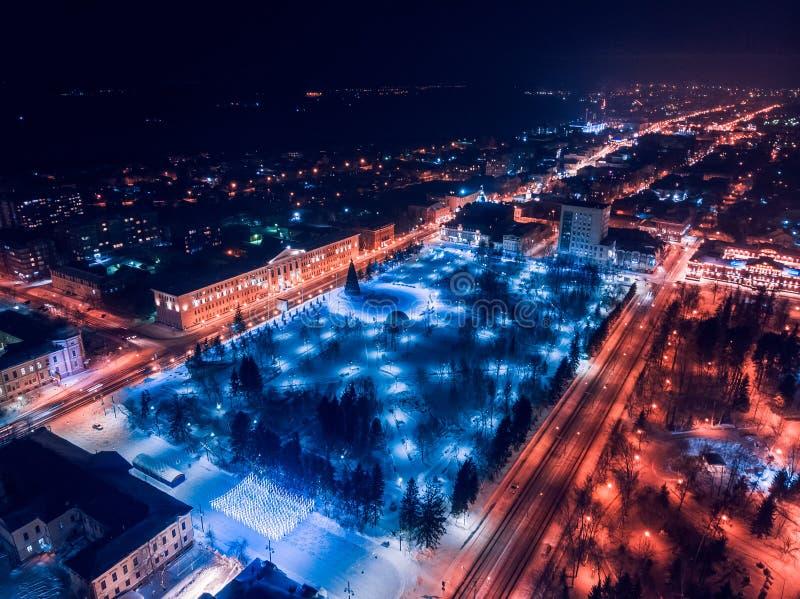 De verlichtingscityscape Siberië, Rusland van Tomsk nigth Tom River royalty-vrije stock fotografie