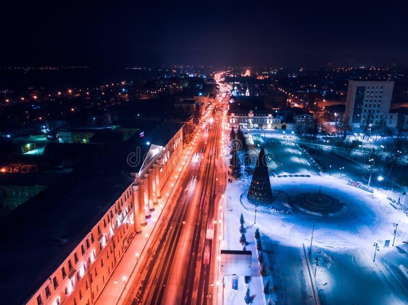 De verlichtingscityscape Siberië, Rusland van Tomsk nigth Tom River stock fotografie