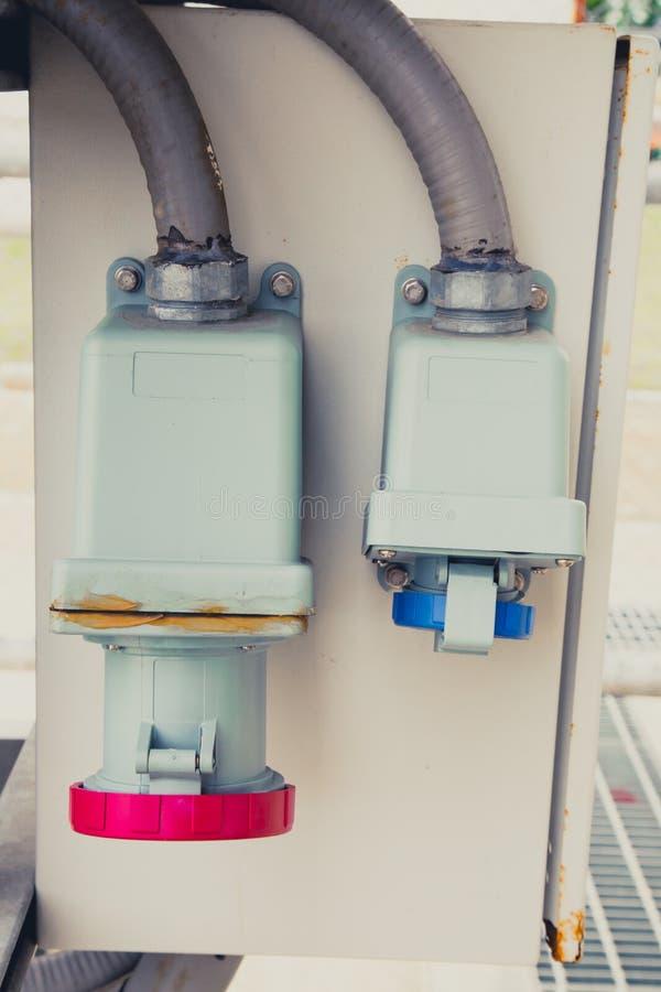 De vermogenssturingsdoos van de elektriciteitsschakelaar stock foto's