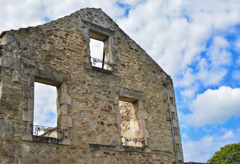 De vernietigde bouw tijdens Wereldoorlog 2 in Oradour sur Glane Frankrijk stock afbeeldingen