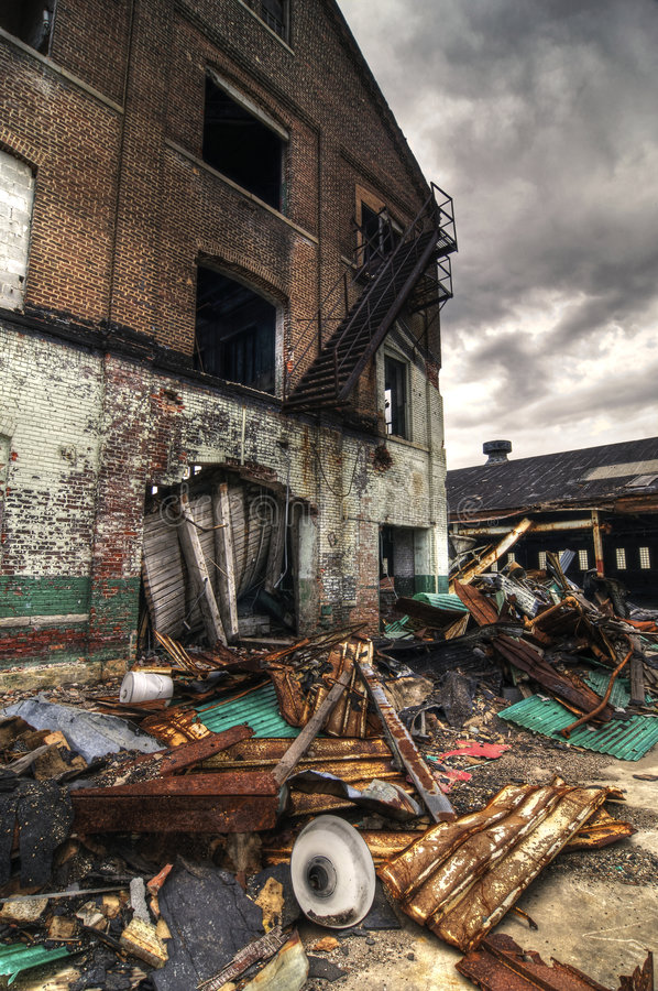 De vernietigde Bouw van de Baksteen royalty-vrije stock foto's