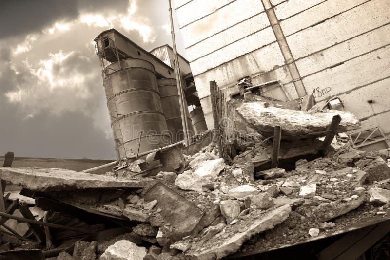 De vernietigde fabriek - 2 royalty-vrije stock afbeelding