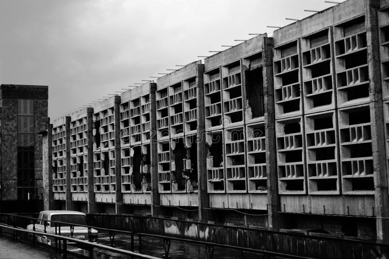De vernietigde industriële bouw stock fotografie