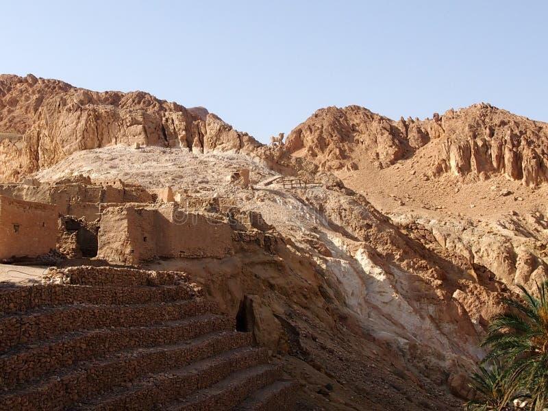 De vernietigde woningen van berbers royalty-vrije stock fotografie