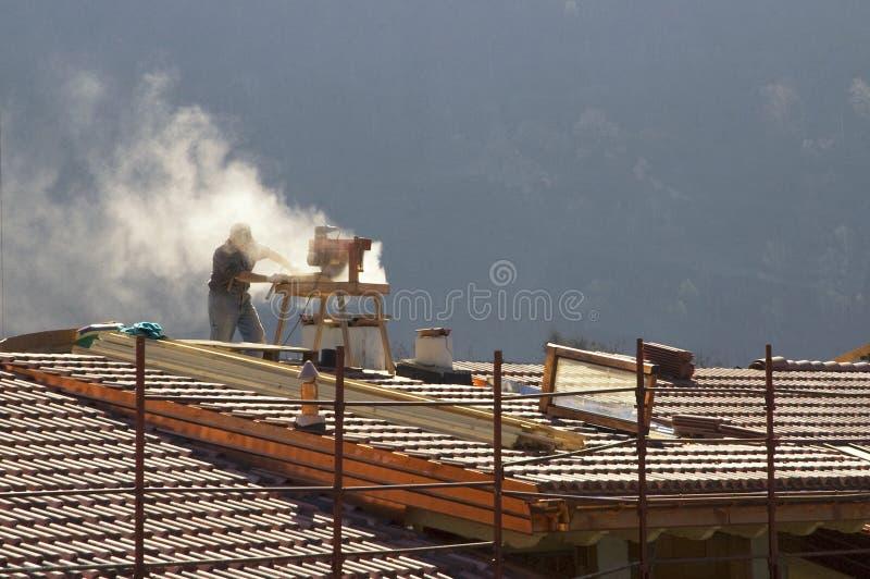 De vernieuwing van het dak stock fotografie